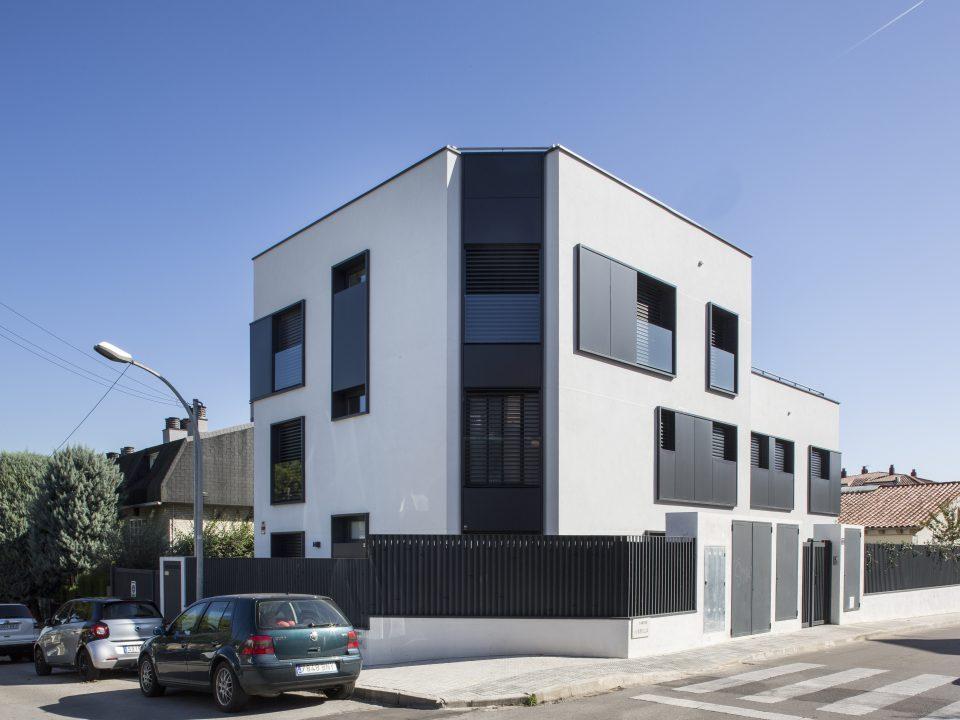 Punt Arquitectes - Edificio plurifamiliar en Sant Cugat
